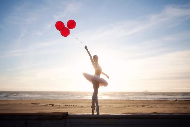 Dancer - Katherine Newton.<br /> <br /> © 2011 Oliver Endahl