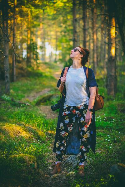 Hanna på promenad