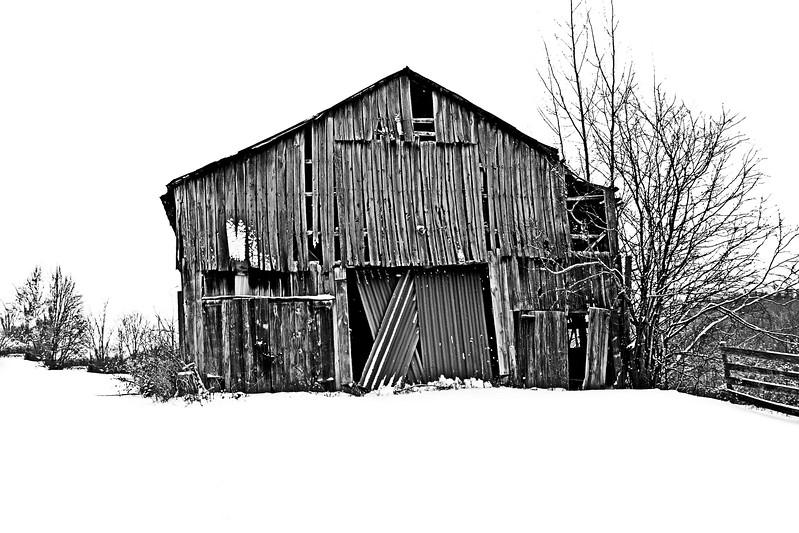 KY R62 Barn