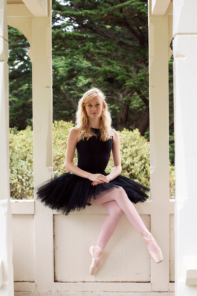 Dancer - Alanna Endahl.<br /> <br /> © 2011 Oliver Endahl