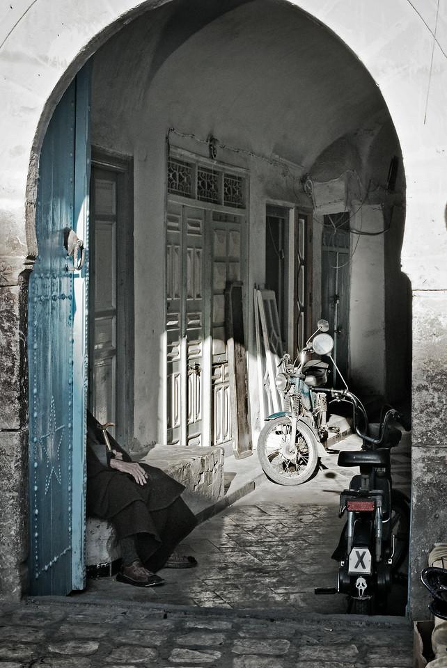 Man in the doorway, Kairouan