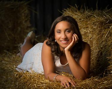 Jordan Saunders- Senior Photos-17