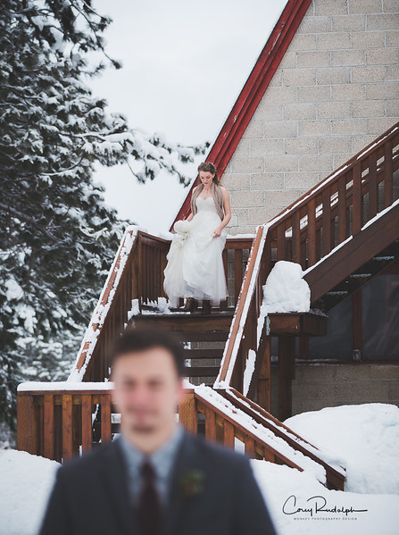 Beautiful winter wedding by Monkey Photography