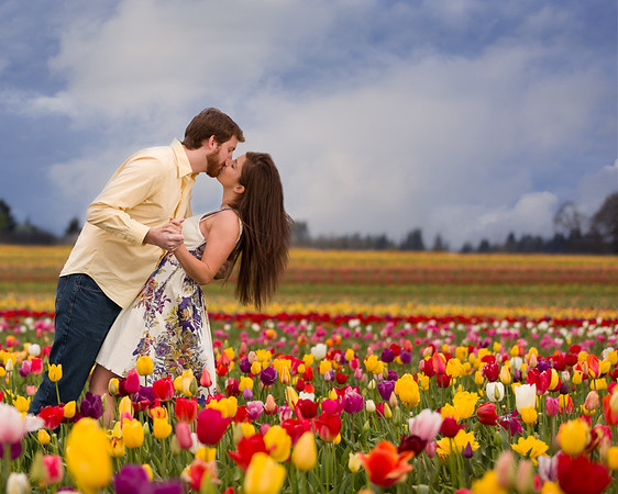 Engagement photography session Wooden shoe Tulip Festival