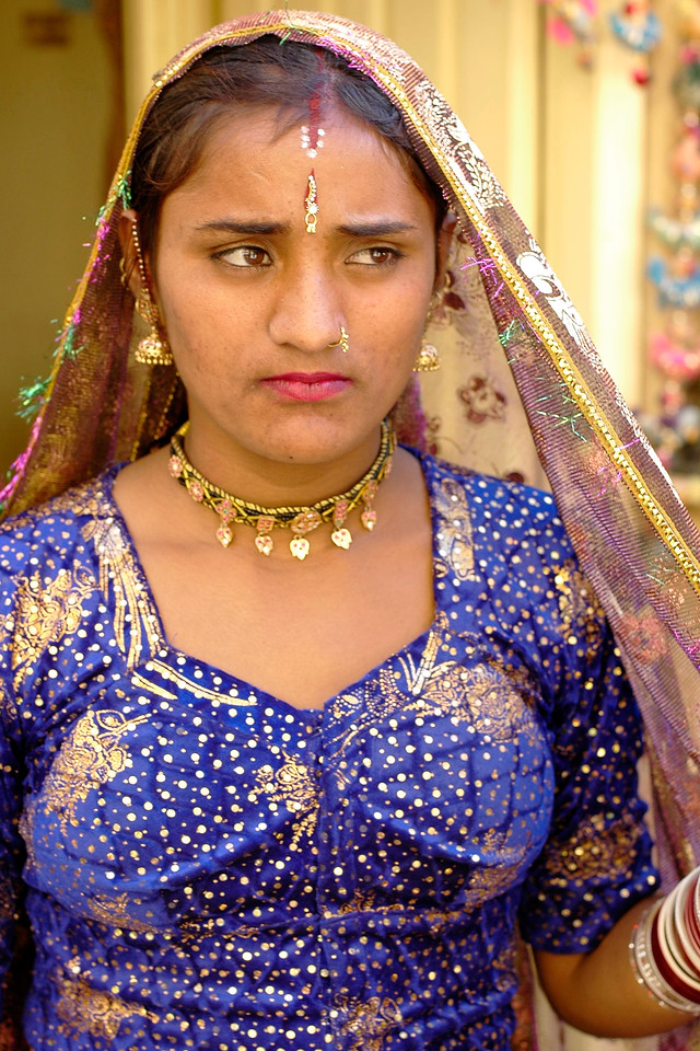 Portrait of a newly wed Rajasthani lady in Jaisalmer, Rajasthan, India.