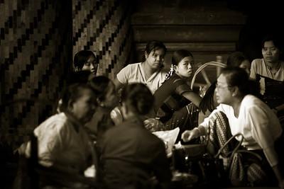 Weavers; Shwedagon Pagoda, Yangon