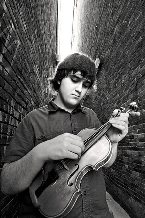 Violin-playing High School Senior, Gabe, for a senior portrait.