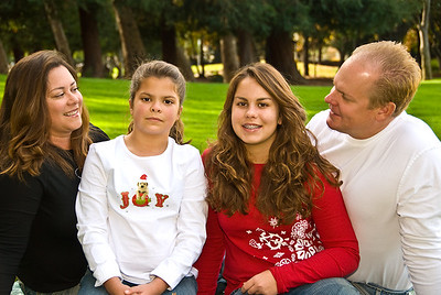 Family portrait holiday web