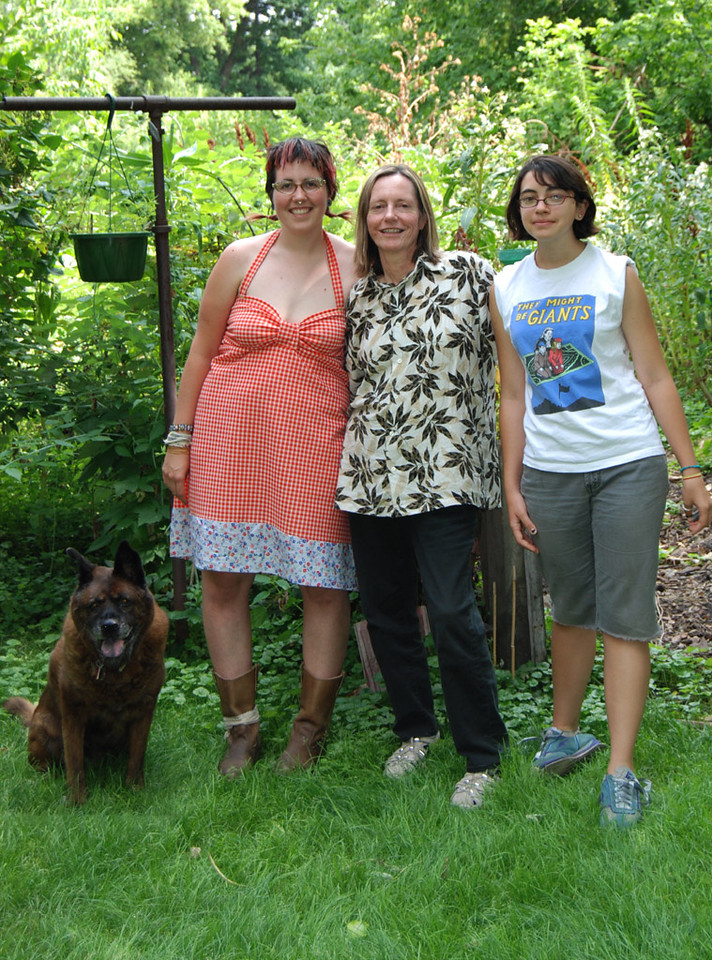 Katrina, Margaret, Zoe (Bill was in England)