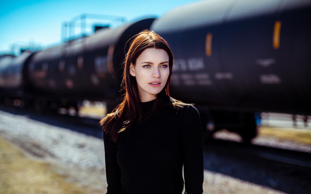 Oksana @ the Tracks