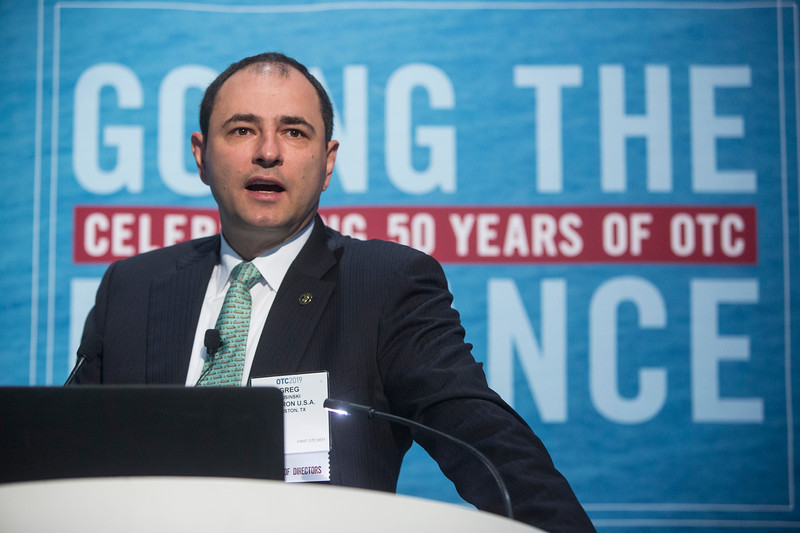 Greg Kusinski presents during Technical Sessions: Active Arena: LNG in Transition: The Past, Present and Future of Global Gas Markets