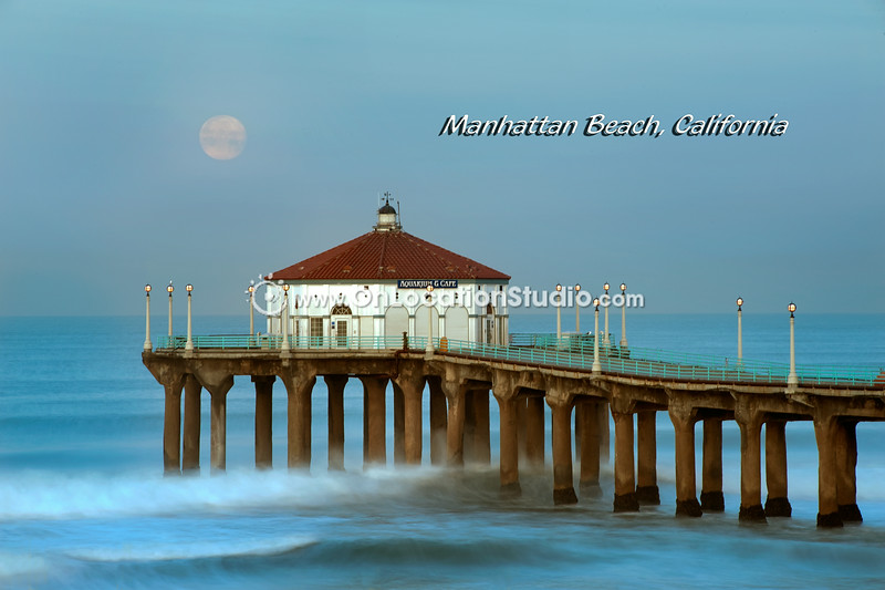 Manhattan Beach Aqauruim at Moonset Horizontal