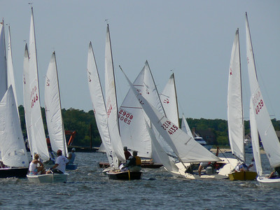 Kate and Sandy Downes in Reckless Abandon #4046 at the Comet Internationals, Miles River Yacht Club, Maryland 2007.