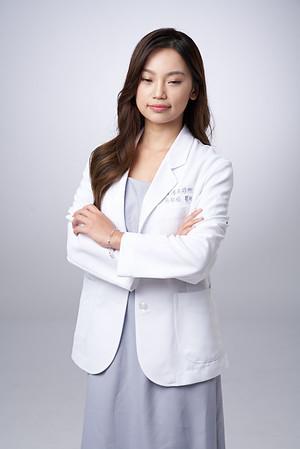 Business-portrait-20190129-吳醫師059