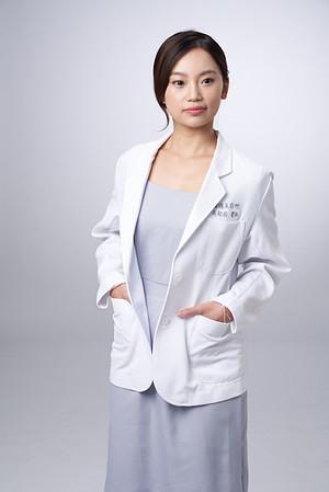 Business-portrait-20190129-吳醫師173