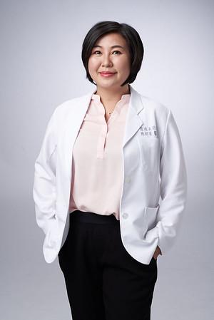Business-portrait-20190129-陳醫師3833