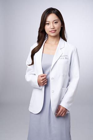 Business-portrait-20190129-吳醫師107