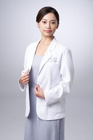 Business-portrait-20190129-吳醫師140