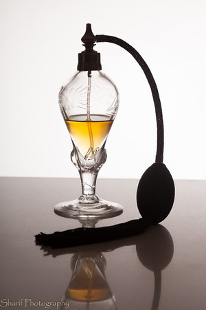 An old-fashioned perfume vaporizer - make your own propellant!