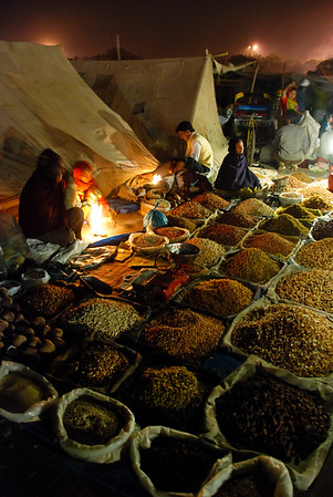 The market outside Jama Masjid in Delhi.