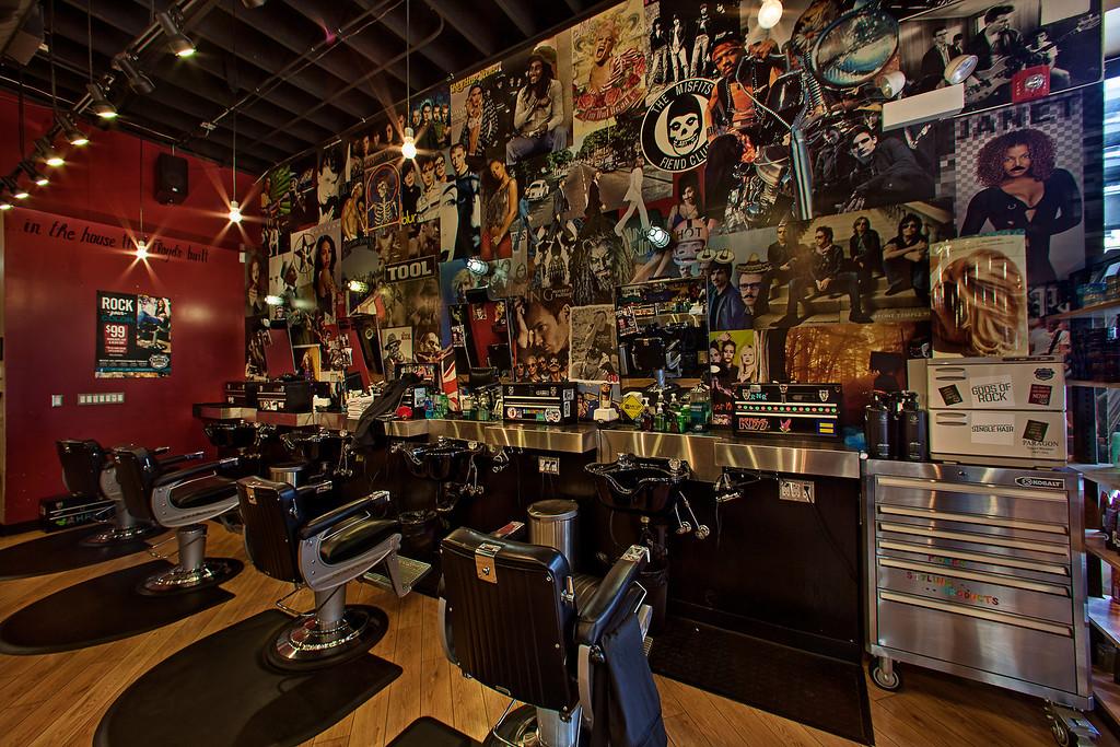 Floyd's 99 Barbershop Chicago - Lincoln Park