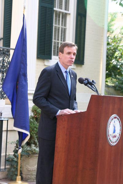 Governor Mark Warner speaking at Oliver W. Hill Building dedication ceremony