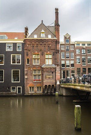 Cute Apartment on the Canal