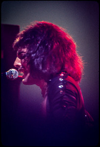 Queen Beacon Theater NYC 1976_7708