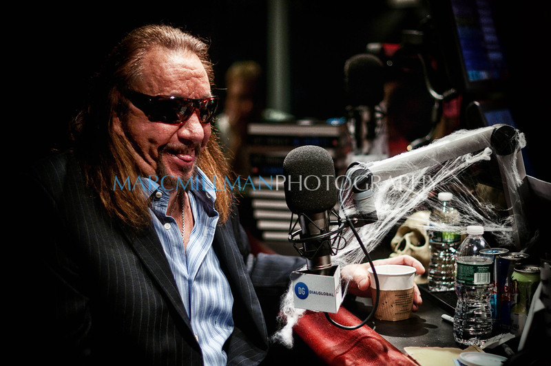 Back in his New York Groove<br /> <br /> Ace Frehley on VH1 Classic Rock Nights (Tue 11/1/11)