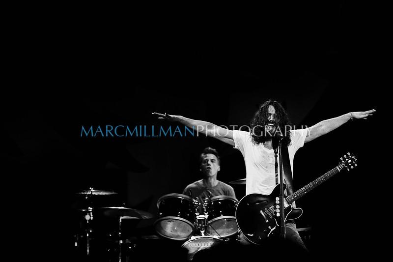 Jesus Christ Pose<br /> <br /> Soundgarden @ Jones Beach (Sat 7/9/11)