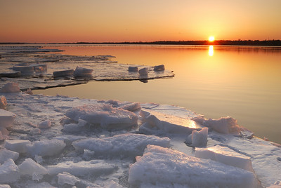 Ice melts on the Ottawa River in March 2009 in this view looking upstream towards the Deschenes Rapids on the horizon. National Geographic Creative  Picture ID 1250282
