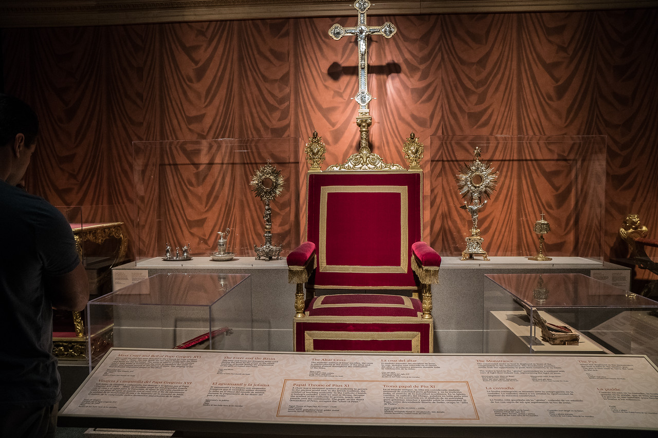 Golden items, and a papal throne