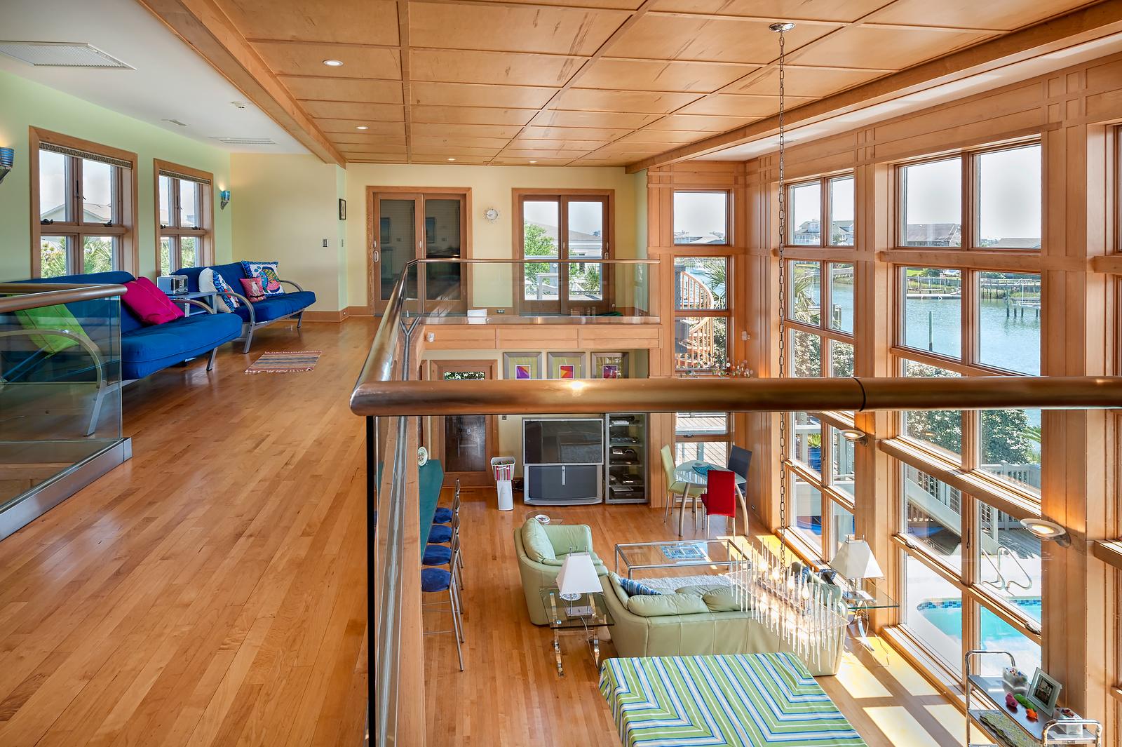 23 Upstairs View 1