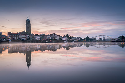 Deventer Skyline met spiegelbeeld