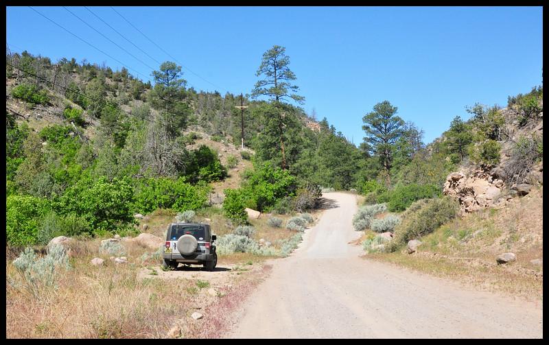 Looking for hoodoos - JW in Rendija Canyon