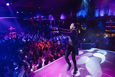 Concert Photographer Marcello Rostagni captures a photo of Tinashe performing.