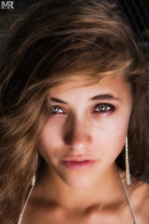 Beauty and Model photographer Marcello Rostagni photographs a headshot portrait of a woman in Reno, NV.
