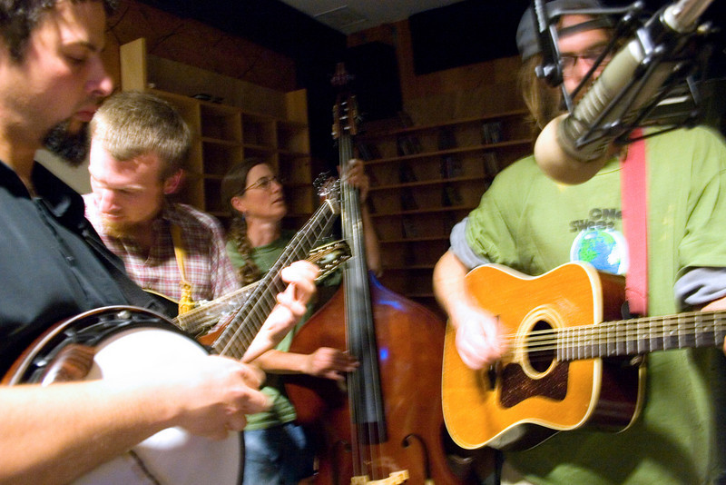 The Mudcity Ramblers recording a show in the studio.