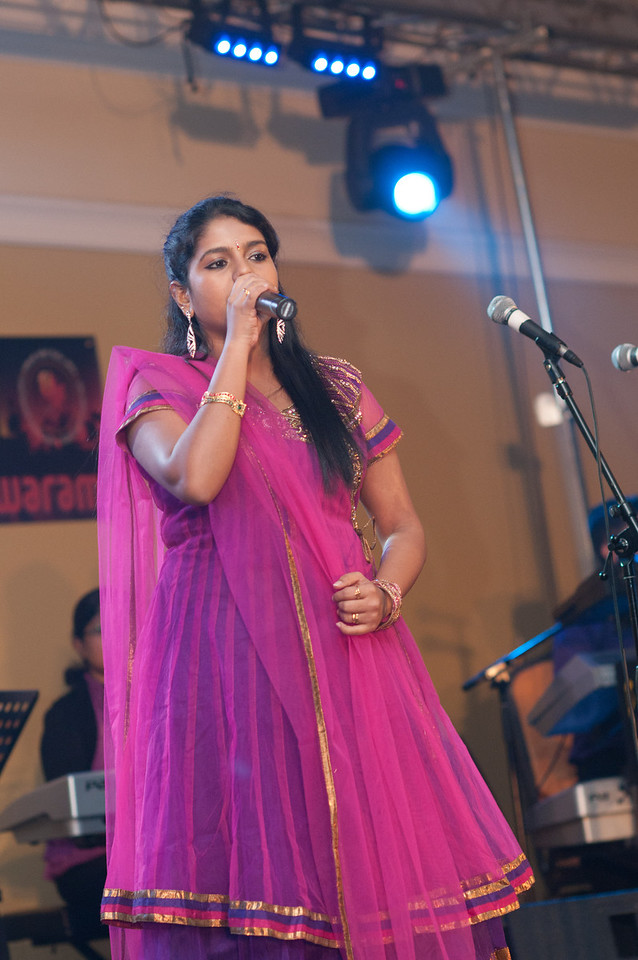 Roshini -  play back Singer Performing @ International Tamil Conference.