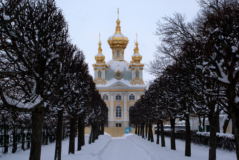 GRAND PALACE. PETERHOF. RUSSIA.