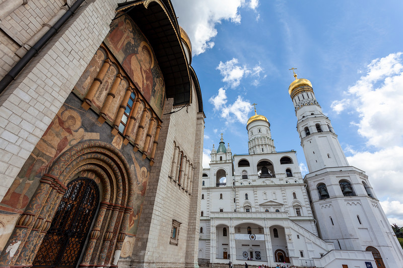 Exterior of the Cathedral of the Dormition and Ivan the Great Bell Tower in the Moscow Kremlin, Russia, Europe