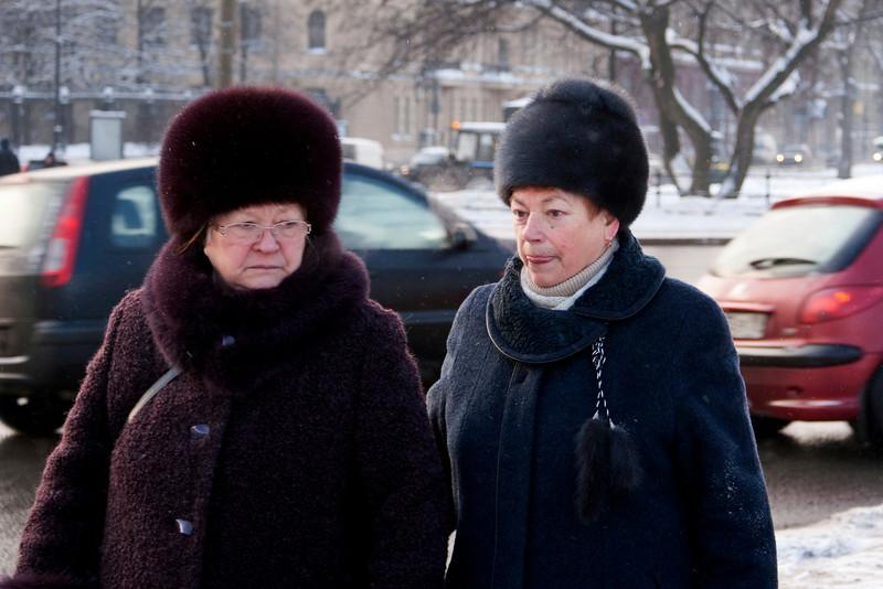 OLD RUSSIAN LADIES. HERMITAZHNY ROAD. ST. PETERSBURG. RUSSIA.