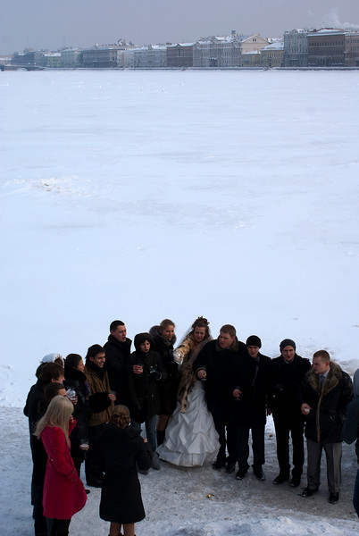 CHEERS! RUSSIAN WEDDING. NEVA RIVER. ST. PETERSBURG.
