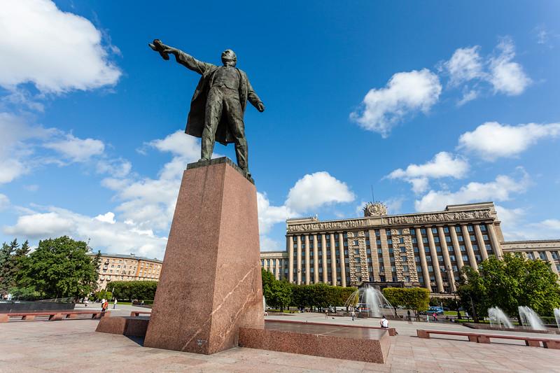 Lenin Statue on the Moskovskaya Ploshchad (Moscow Square) in St. Petersburg, Russia, Europe