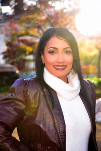 Rosann Santos, Entrepreneur/Higher Education Administrator