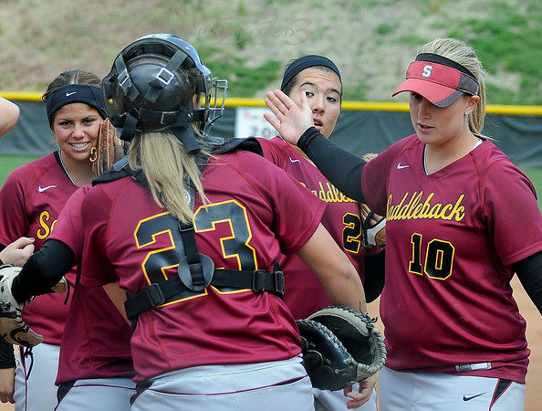 Santa Ana Dons vs Saddleback Softball 4-8-11