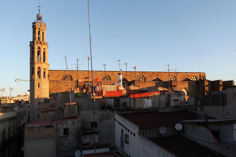 SUNRISE AT SANTA MARIA DEL MAR. EL BORNE. BARCELONA.