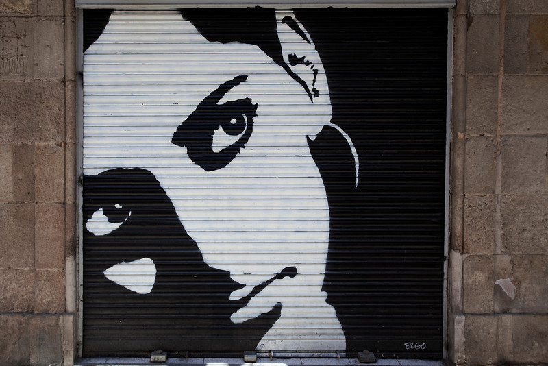 GRAFFITY OF A WOMAN'S FACE [2]. EL BORNE. BARCELONA.