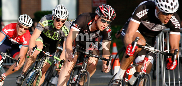 Pro Riders during Derby race - Sports Photography by Michael Moore