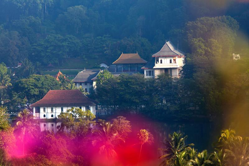 KANDY. TEMPLE OF THE SACRED TOOTH RELIC SEEN FROM THE LAKE SIDE. SRI DALADA MALIGAWA. CENTRAL SRI LANKA.